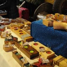 Schöne Geschenksartikel aus Holz gibt es auch dieses Jahr wieder zu kaufen!