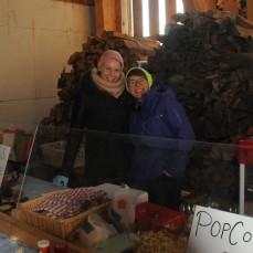 Tanja & Sofie sind in der Festwirtschaft engagiert